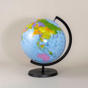 Globus-oppustelig på plastfod