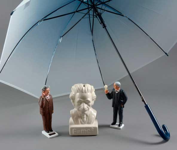 Videnskabsfolk Selvlysende paraplyer og kloge hov...